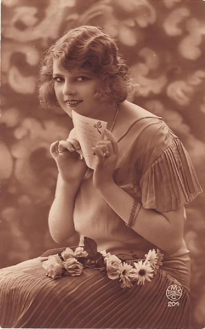 Vintage Ladies Cabinet Cards (9)