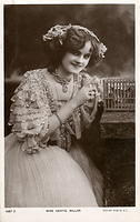 Vintage Ladies Cabinet Cards (119)