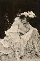 Vintage Ladies Cabinet Cards (194)
