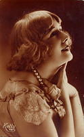 Vintage Ladies Cabinet Cards (212)
