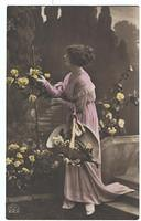 Vintage Ladies Cabinet Cards (62)